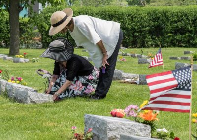 JMAS-Memorial-caring-for-the-plots-0647